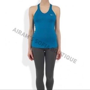 1884f750a506c Nike Tops - NWT Nike Women s Advantage Solid Tennis Tank
